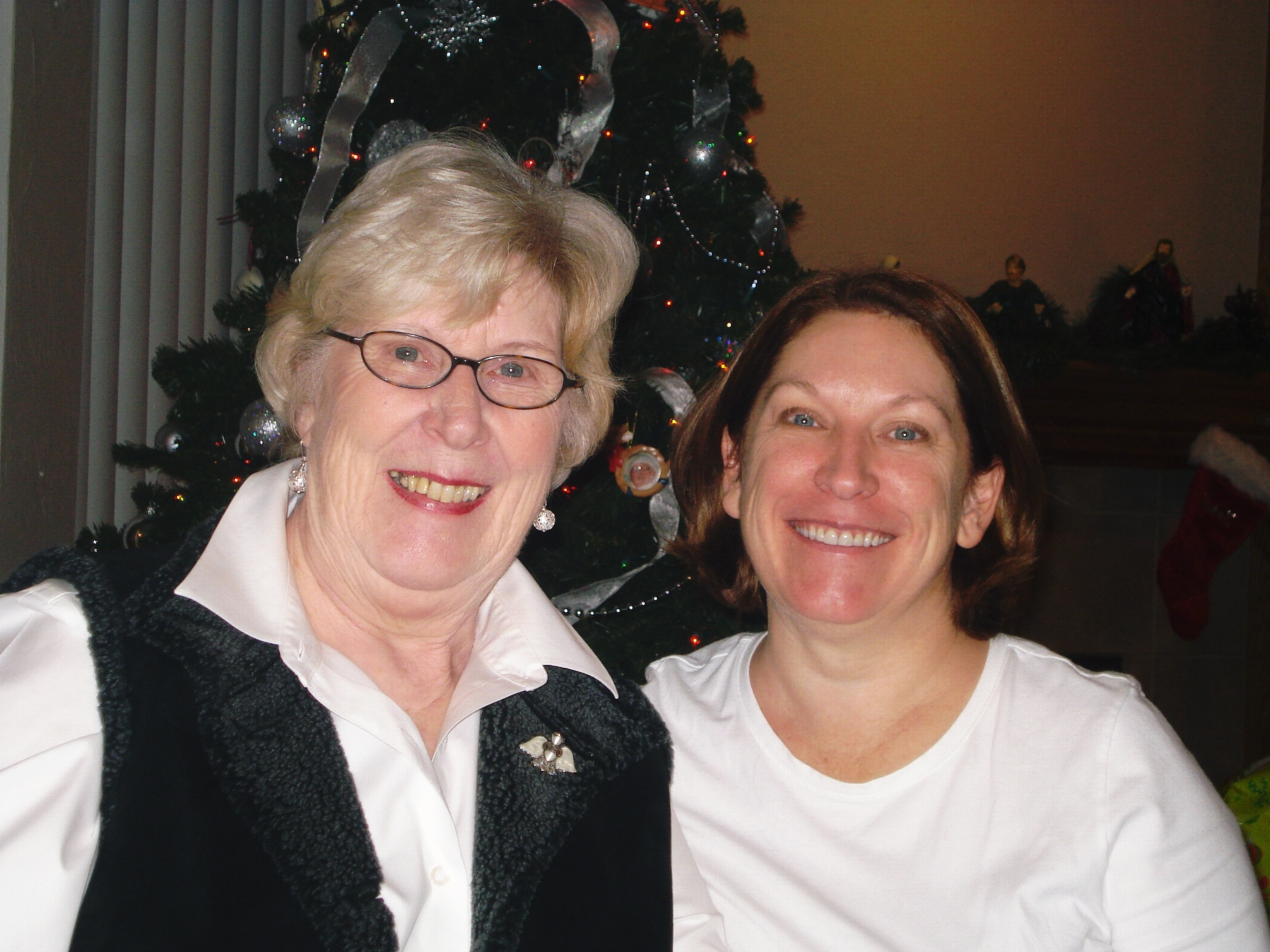 Aunt Ann and Lee Anne 2009